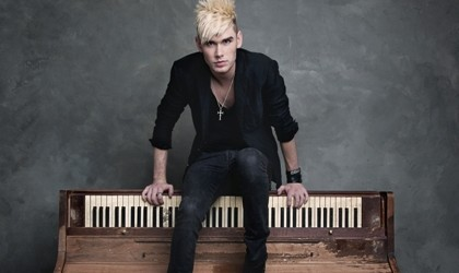 Colton Dixon, Tim Tebow Colton Dixon, Music 2013, A Messenger, Christian Music, Christian Rockers, Christian Pop, American Idol Colton, Colton Dixon Photos